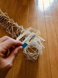 【高齢者レクリエーション・ゲーム(game for elderly)】利き手と逆の手(左手)で牛乳パックを使って『50個積み上げゲーム』