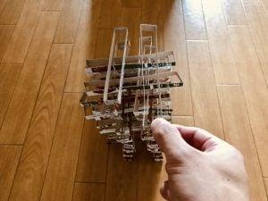 【高齢者・子供向け室内レクリエーション】レトルトカレーの空き箱をハサミで1センチに切ったのを使って『50個積み上げゲーム』