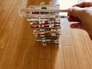 【高齢者・子供室内レクリエーション】レトルトカレーの空き箱を使って『40個積み上げゲーム』